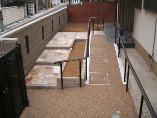 堺市 S様邸 階段とスロープをバランス良く使用したリフォーム外構工事3