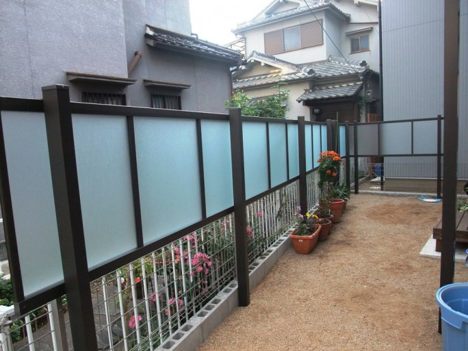 堺市 O様邸 外開きアルミ鋳物門扉を使用した外構工事5