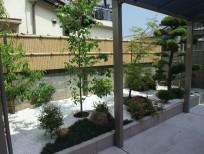 ガレージから見渡せる和風の庭 岸和田市 S様邸