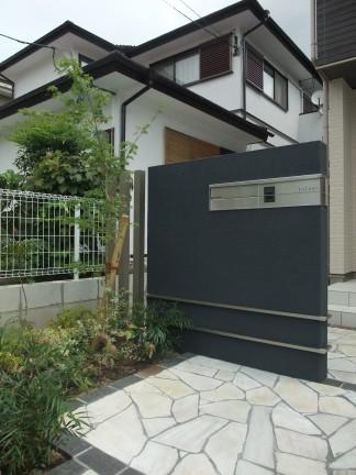 建物に合せたナチュラルモダンなオープン外構 池田市 S様邸3