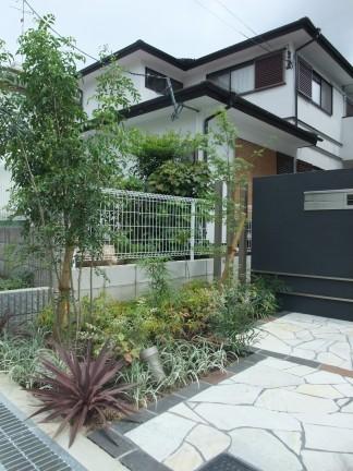 建物に合せたナチュラルモダンなオープン外構 池田市 S様邸4