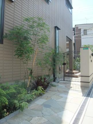 洋風でアンティーク調をイメージした上品な外構 大阪市阿倍野区 I様邸3