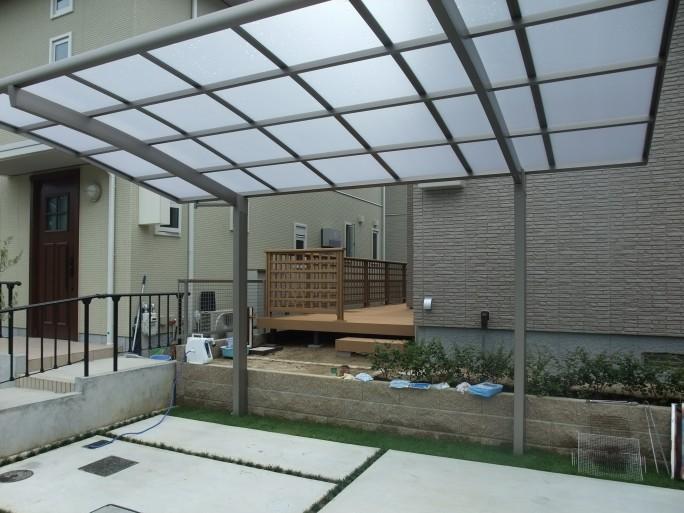FIX窓から眺める坪庭・ウッドデッキ 茨木市 M様邸2