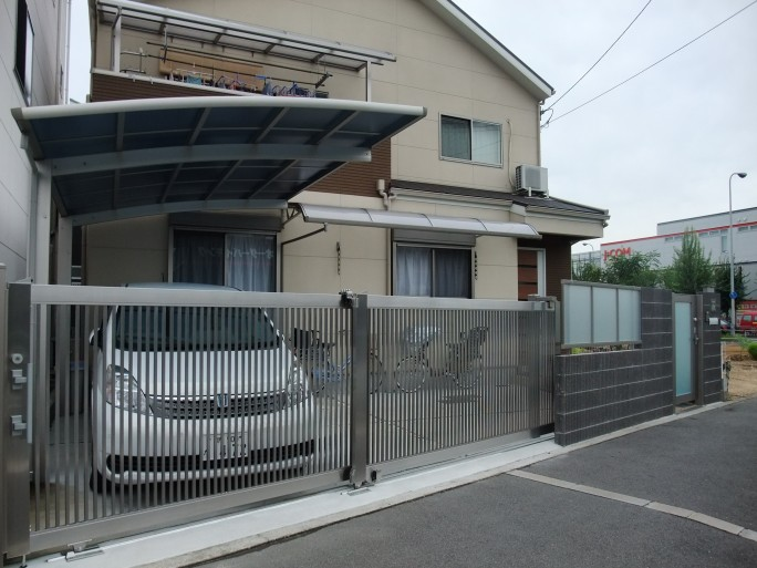 LIXIL(TOEX)ステンシャイン引戸を使ったリフォーム外構 堺市北区 N様邸1